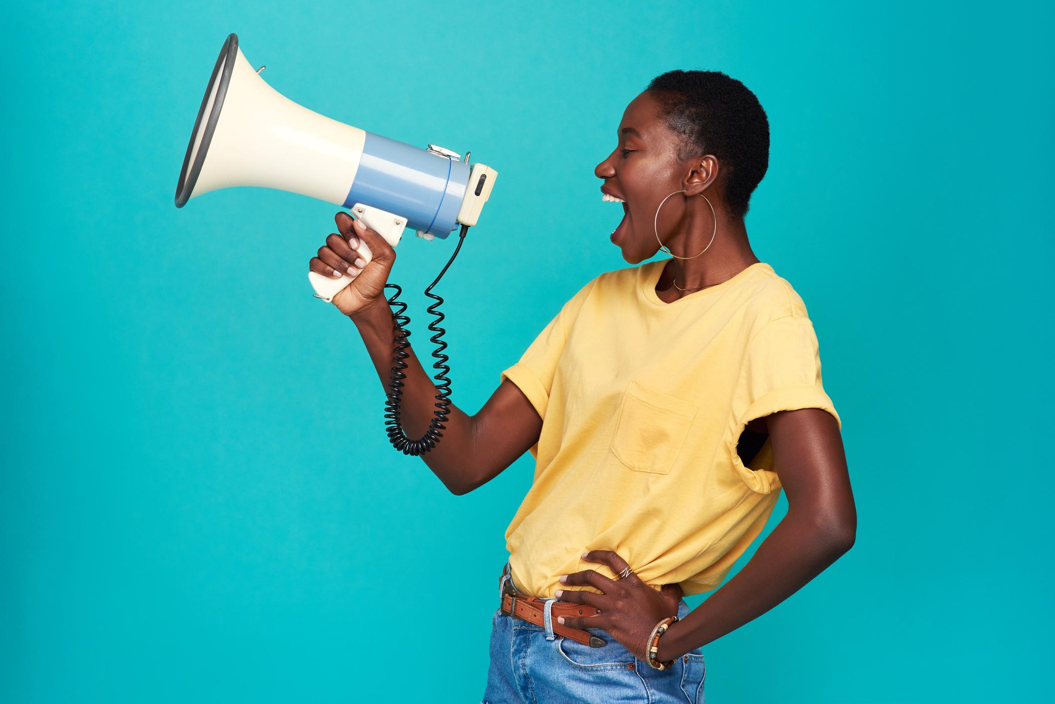 Mulher Negra em ação de marketing de guerrilha